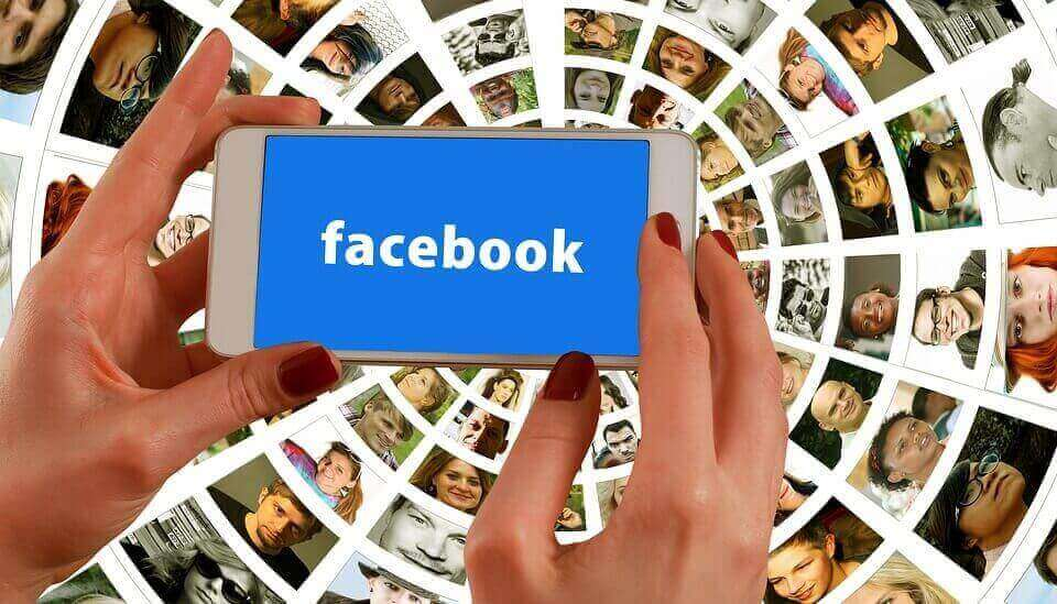 Facebook-phone-pic